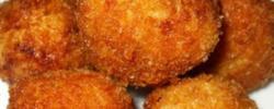 Polpette di tonno al forno con patate (Tuna meatballs with potatoes)